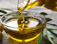 How to take care of your body, face and hair with natural oils?